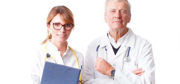 Auswahlentscheidung bei zwei schon länger als fünf Jahre tätigen Ärzten